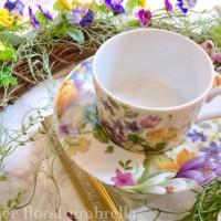 まるで本物のお花のよう!鮮やかな花柄ポーセラーツで春を満喫♪